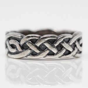 VINTAGE Sterling Silver Celtic Knot Band Ring 5.5